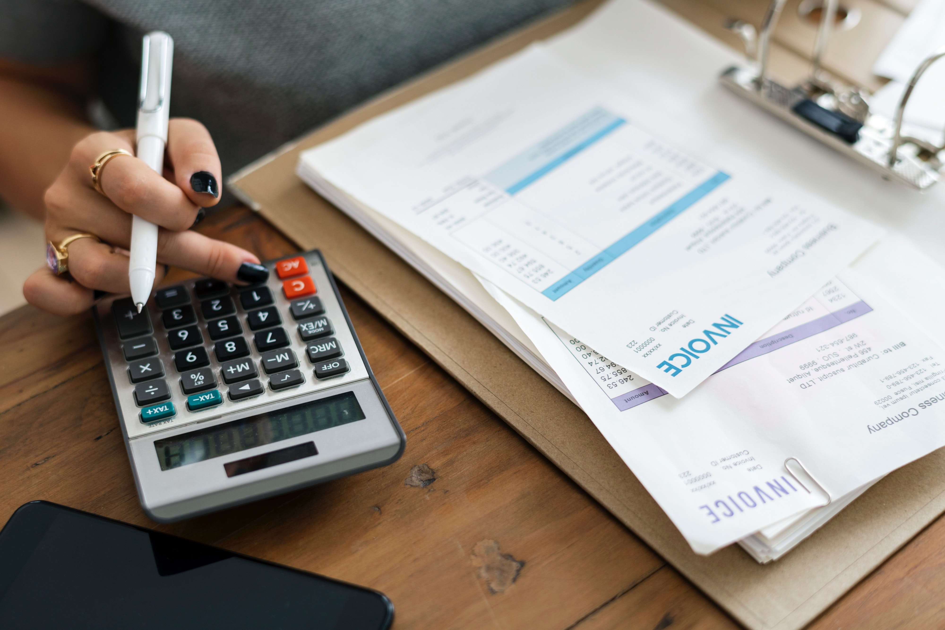 Calculating Finances Debt Claims