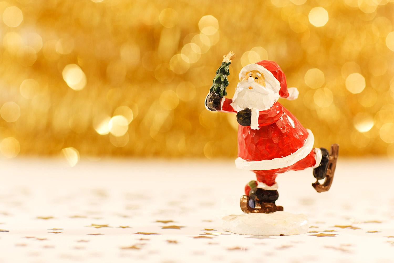 Santa skating, christmas is coming.